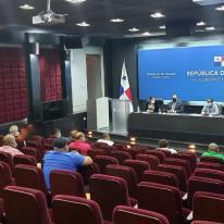REUNIÓN CON TRANSPORTISTAS EN PRESIDENCIA
